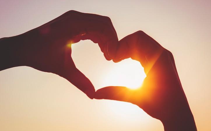 """""""Bądźmy zawsze uśmiechnięci i Miłością ogarnięci…"""" – z piosenki dziecięcej service thumbnail"""
