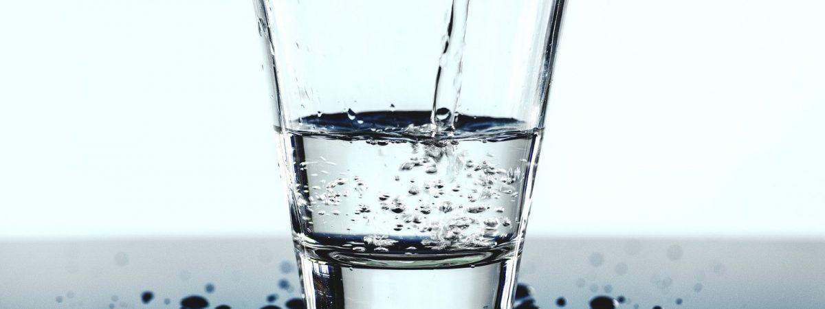 Właściwe nawadnianie organizmu. Ile wody wypić? service thumbnail